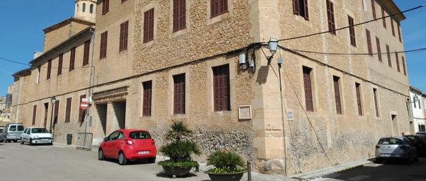 Schule colegio sant bonaventura arta arta auf mallorca - Colegio aparejadores mallorca ...
